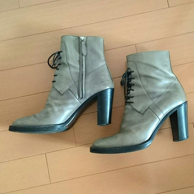 Jil Sander(ジルサンダー)のレア!! ジルサンダー レースアップ ブーツ 37 グレージュ レディースの靴/シューズ(ブーツ)の商品写真