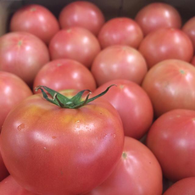 桃太郎トマト 2キロ 食品/飲料/酒の食品(野菜)の商品写真