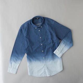 ユニクロ(UNIQLO)のユニクロ グラデーション デニム シャツ(シャツ)