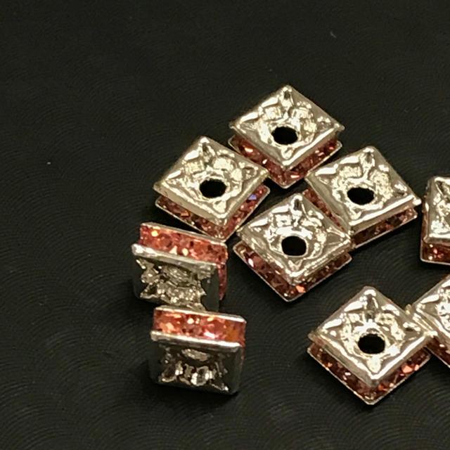 スクエアロンデル ピンク 10粒 ハンドメイドの素材/材料(各種パーツ)の商品写真