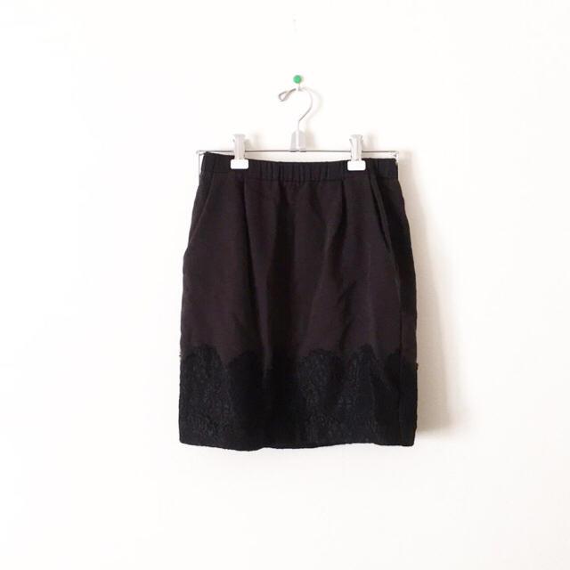 DENDROBIUM(デンドロビウム)のデンドロビウム スカート 黒 タイト レース 切替 ブラック ミニ ウエストゴム レディースのスカート(ミニスカート)の商品写真