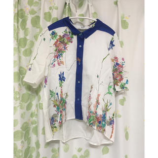 ジュンオカモト(JUN OKAMOTO)のJUNOKAMOTO☆フラワープリントシャツ(シャツ/ブラウス(半袖/袖なし))