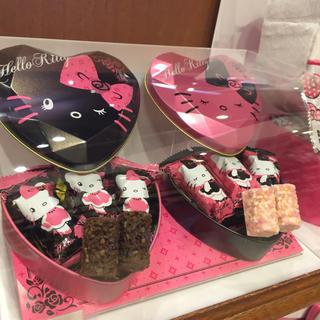 ハローキティ(ハローキティ)の送料0円 USJ 限定 クリスマス キティ チョコレートクランチ(菓子/デザート)