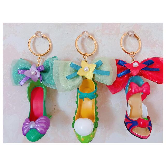 Disney(ディズニー)のディズニー プリンセス 靴 キーホルダー エンタメ/ホビーのおもちゃ/ぬいぐるみ
