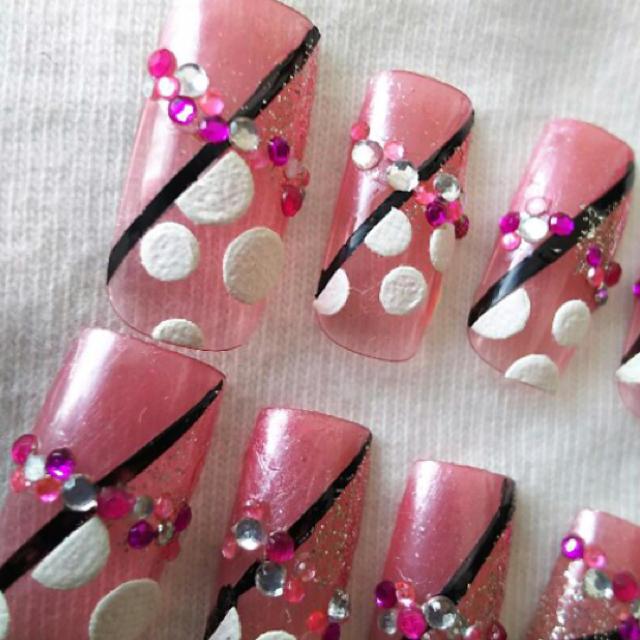 ネイルチップピンク ハンドメイドのアクセサリー(ネイルチップ)の商品写真