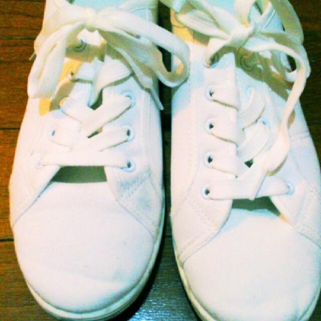 白の無印良品スニーカー レディースの靴/シューズ(スニーカー)の商品写真