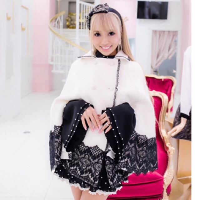 Coco(ココ)のcoco airi エレガントレースホワイトケープ レディースのジャケット/アウター(ポンチョ)の商品写真