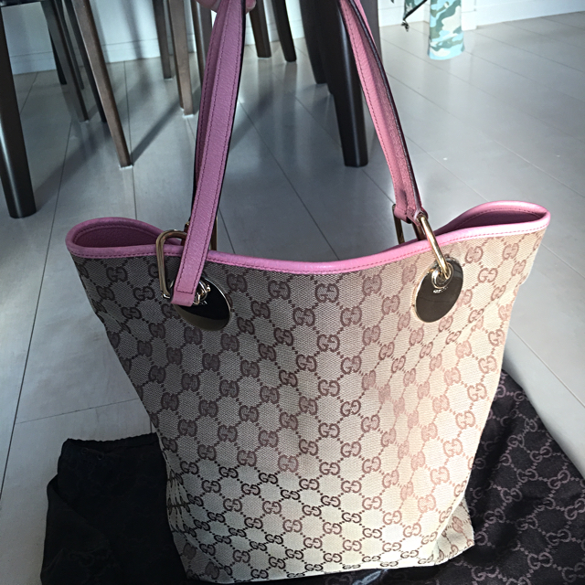 competitive price 07947 0da74 ぷりぷり様【美品】GUCCI トートバッグ ピンク | フリマアプリ ラクマ