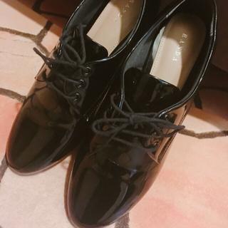 ランダ(RANDA)のエナメルレースアップシューズ(ローファー/革靴)