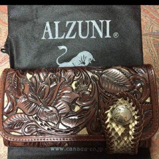 アリゾナ(ARIZONA)のALZUNI☆パイソン☆カービング財布☆美品☆(長財布)