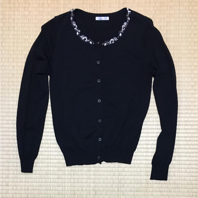 ビジューカーディガン 黒 レディースのトップス(カーディガン)の商品写真