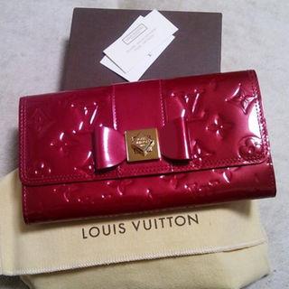ルイヴィトン(LOUIS VUITTON)の本物新品未使用ルイヴィトン限定モノグラムヴェルニ長財布ポムダムール赤サラ激レア(財布)