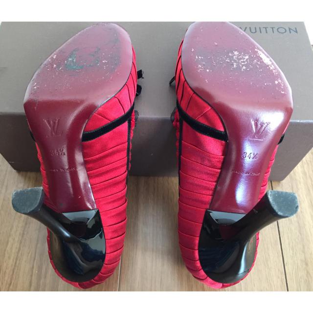 LOUIS VUITTON(ルイヴィトン)のルイ・ヴィトン 赤 サテン地 パンプス  着用感あり レディースの靴/シューズ(ハイヒール/パンプス)の商品写真