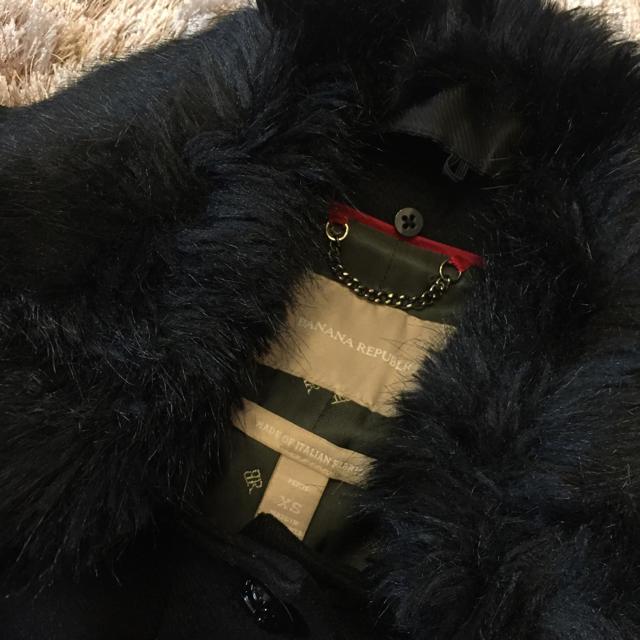 Banana Republic(バナナリパブリック)の値下げしました!Banana Republic ★ ファー付き 黒 コート レディースのジャケット/アウター(ピーコート)の商品写真