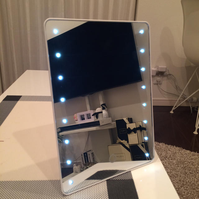 Francfranc(フランフラン)の女優ミラー  LEDライト  メイクミラー  ホワイト  鏡   インテリア/住まい/日用品のインテリア小物(卓上ミラー)の商品写真
