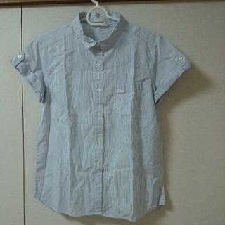 ジーユー(GU)のgu ストライプロールアップシャツ(シャツ/ブラウス(半袖/袖なし))