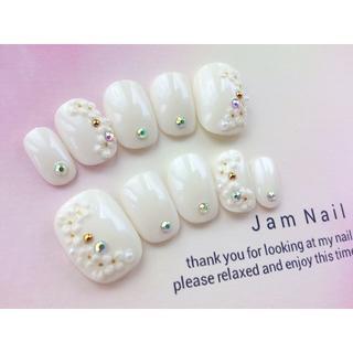 両面テープ付♡ウェディングに♡上品ホワイト♡白とお花のネイルチップ♡