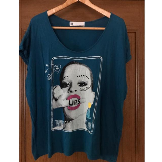 SLY(スライ)のSLY Tシャツ レディースのトップス(Tシャツ(半袖/袖なし))の商品写真