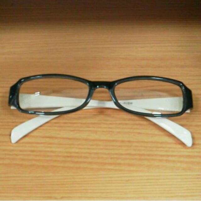 新品 PCメガネ レイバンタイプ 黒×白【現品限り】限定値下げ4444→2222 レディースのファッション小物(サングラス/メガネ)の商品写真