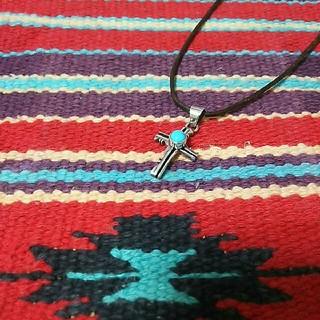 インディアン(Indian)のナバホ族 sterling E.H. ターコイズクロスネックレス 十字架 925(ネックレス)
