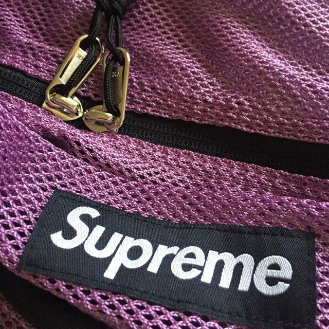 Supreme(シュプリーム)のsupreme メッシュダッフルバッグ パープル 正規品 未使用 メンズのバッグ(その他)の商品写真