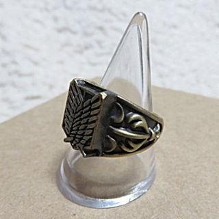 進撃の巨人 コスプレ用 調査兵団 自由の翼 紋章 リング 指輪 17号 ゴールド(その他)