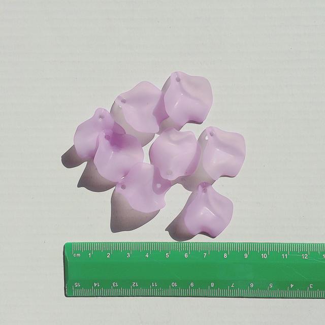 パープル アクセサリーパーツ 花びら ハンドメイド ハンドメイドの素材/材料(各種パーツ)の商品写真
