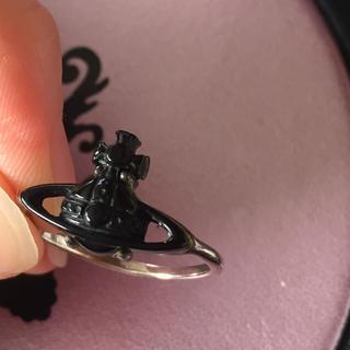 ヴィヴィアンウエストウッド(Vivienne Westwood)のヴィヴィアンリング ブラック(リング(指輪))