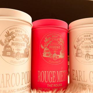 マリアージュフレール パリ購入 お洒落なホワイト&ピンク缶(茶)
