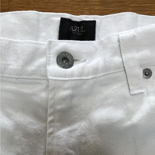 AZUL by moussy(アズールバイマウジー)のアズール ホワイト 白 スキニー ストレート メンズ メンズのパンツ(デニム/ジーンズ)の商品写真