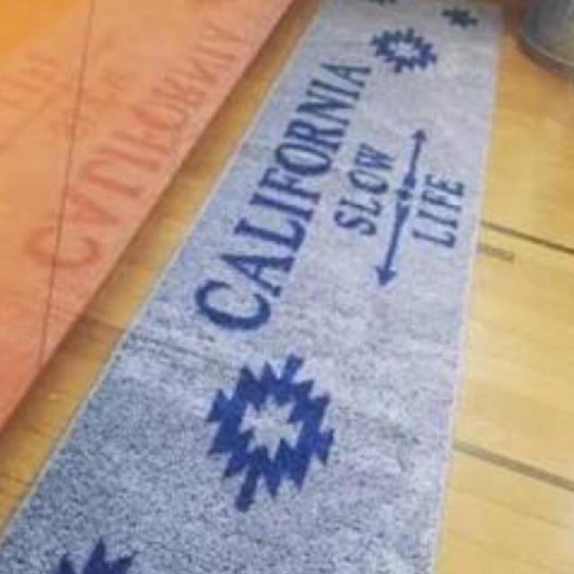 しまむら(シマムラ)のカリフォルニア キッチンマット  240 ㎝ インテリア/住まい/日用品のラグ/カーペット/マット(キッチンマット)の商品写真