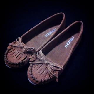 フォーエバートゥエンティーワン(FOREVER 21)のFOREVER21 ベージュモカシン(ローファー/革靴)