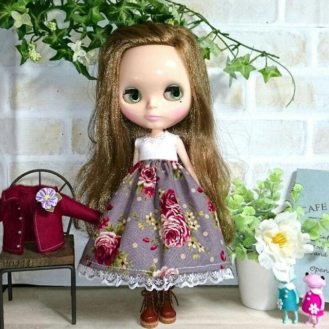 ブライスOF:冬のお出かけセット/グレイッシュパープル花柄とエンジ色のジャケット ハンドメイドのおもちゃ(その他)の商品写真
