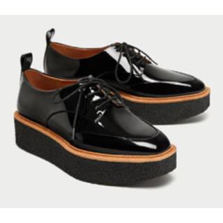 ザラ(ZARA)のプラットフォームブルーチャー(ローファー/革靴)