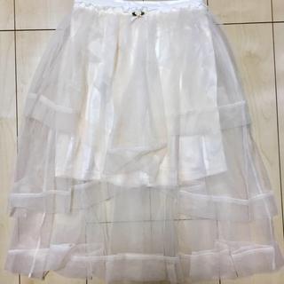 リズリサ(LIZ LISA)の【未着用.美品】薔薇ティアードスカート 白(ひざ丈スカート)