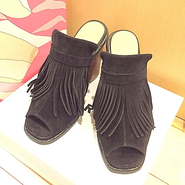 GRL(グレイル)のgrl❤︎フリンジサンダル❤︎ブラック レディースの靴/シューズ(サンダル)の商品写真
