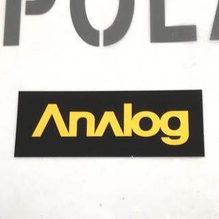アナログクロージング(Analog Clothing)のANALOG アナログ 【STICKER】黒/黄 10cm 新品正規(アクセサリー)