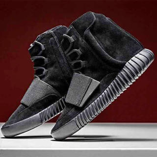 "アディダス(adidas)のYeezy Boost 750 ""Triple Black(スニーカー)"