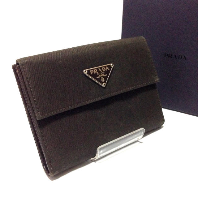PRADA(プラダ)の早い者勝ち‼️ 正規品 鑑定済み プラダ レザー おり財布 レディースのファッション小物(財布)の商品写真