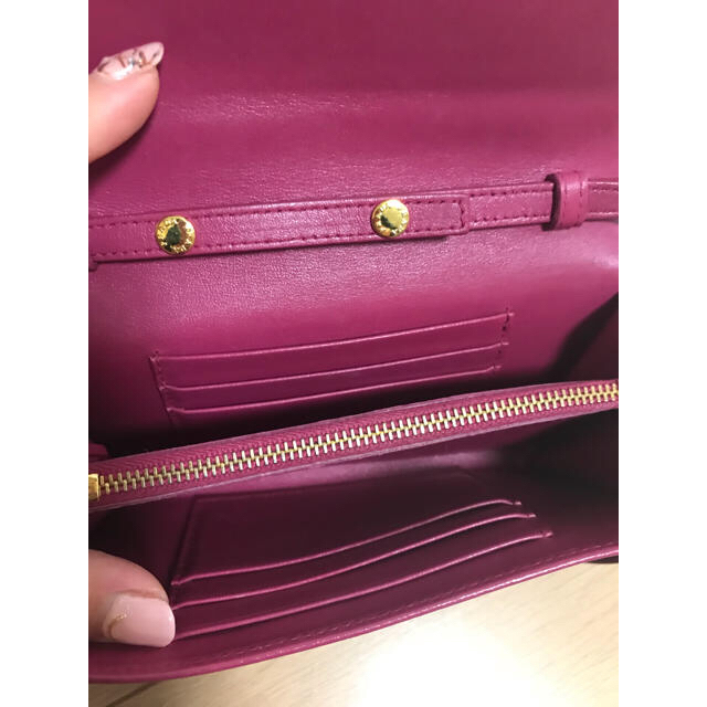 PRADA(プラダ)のPRADAパース❤️ レディースのファッション小物(財布)の商品写真