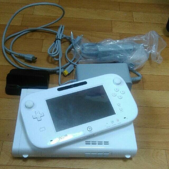 ゆみぽん様専用 Wiiu 32GB 白 セット エンタメ/ホビーのテレビゲーム(家庭用ゲーム本体)の商品写真