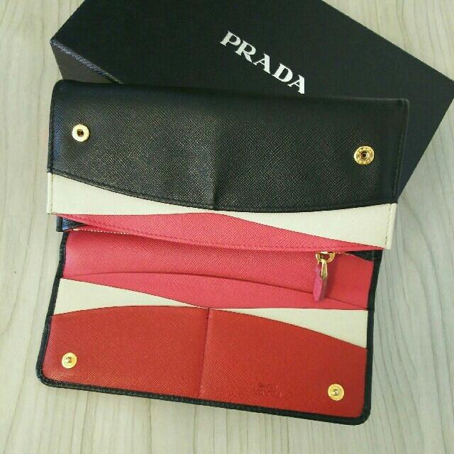 PRADA(プラダ)のプラダ  正規品 バイカラー  長財布 レディースのファッション小物(財布)の商品写真
