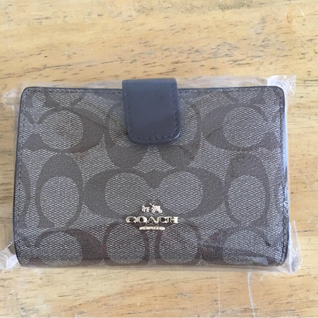 COACH(コーチ)のCOACH折りたたみ財布 レディースのファッション小物(財布)の商品写真