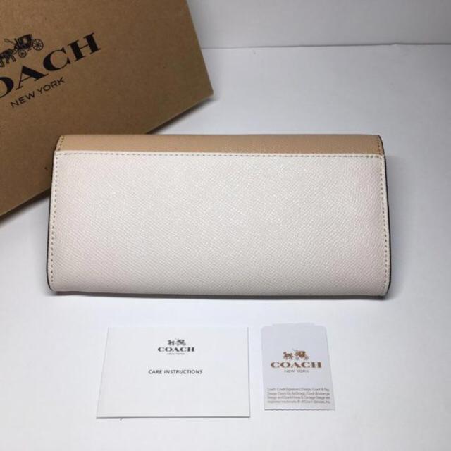 COACH(コーチ)の【新品】COACH★長財布 ベージュ×バナナ レディースのファッション小物(財布)の商品写真