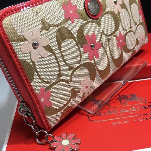 COACH(コーチ)の限定セール❣️新品コーチ長財布F51339デイジー 可愛いファスナートップ❤️ レディースのファッション小物(財布)の商品写真