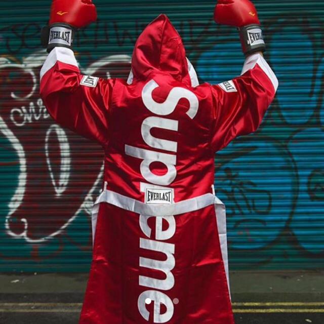 Supreme(シュプリーム)の最安値 送料込み supreme ローブ 赤M メンズのメンズ その他(その他)の商品写真