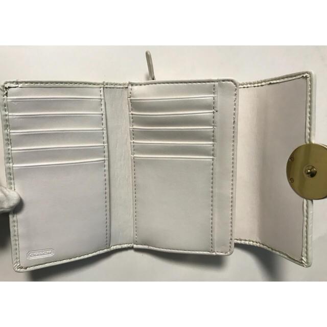 COACH(コーチ)のコーチ シグネチャー 薄いベージュ 財布 中古 レディースのファッション小物(財布)の商品写真