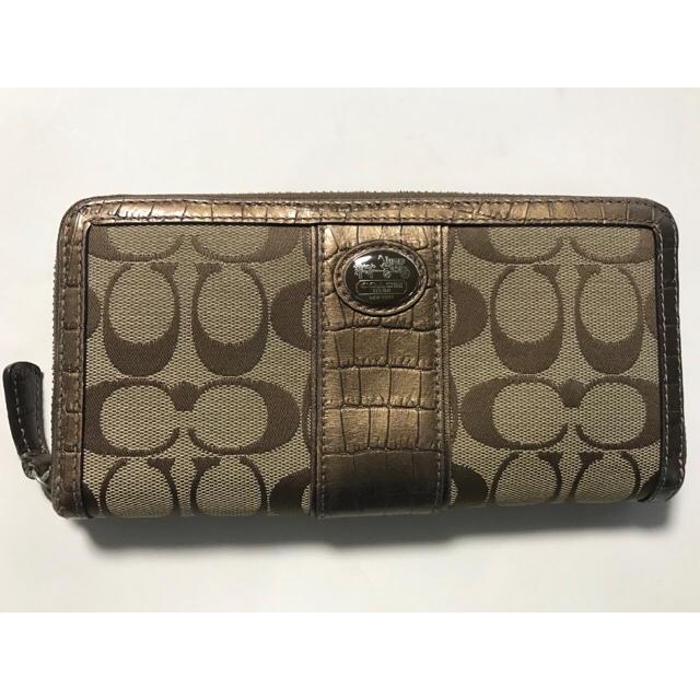 COACH(コーチ)のコーチ シグネチャー ラウンドファスナー財布 中古 レディースのファッション小物(財布)の商品写真