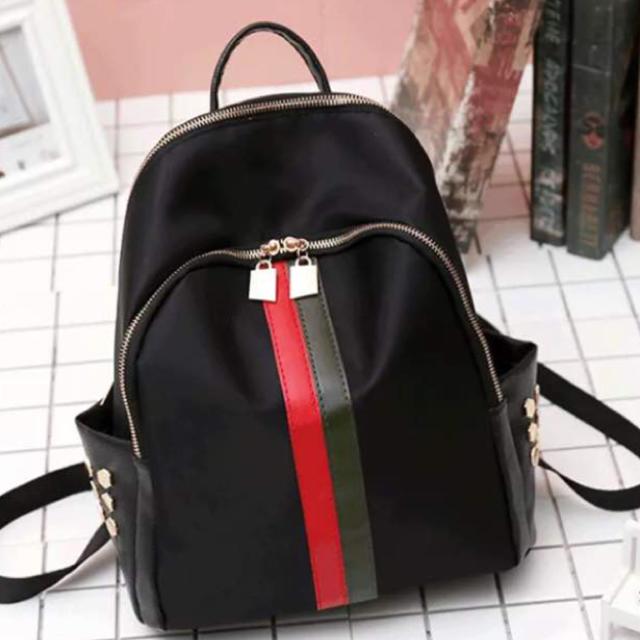 1e6765aae35b 韓国人気 ♡ 秋冬 サイドライン レザー ♡ リュックサック ブラック レディースのバッグ(リュック
