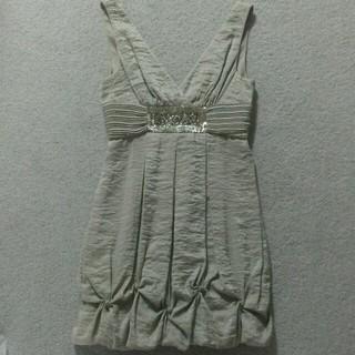 ビーシービージーマックスアズリア(BCBGMAXAZRIA)のBCBG MAXAZRIA ドレス(ひざ丈ワンピース)